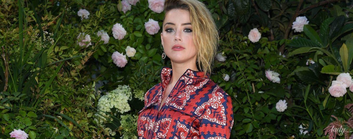 В макси-платье и необычных сапогах: Эмбер Херд на показе Valentino