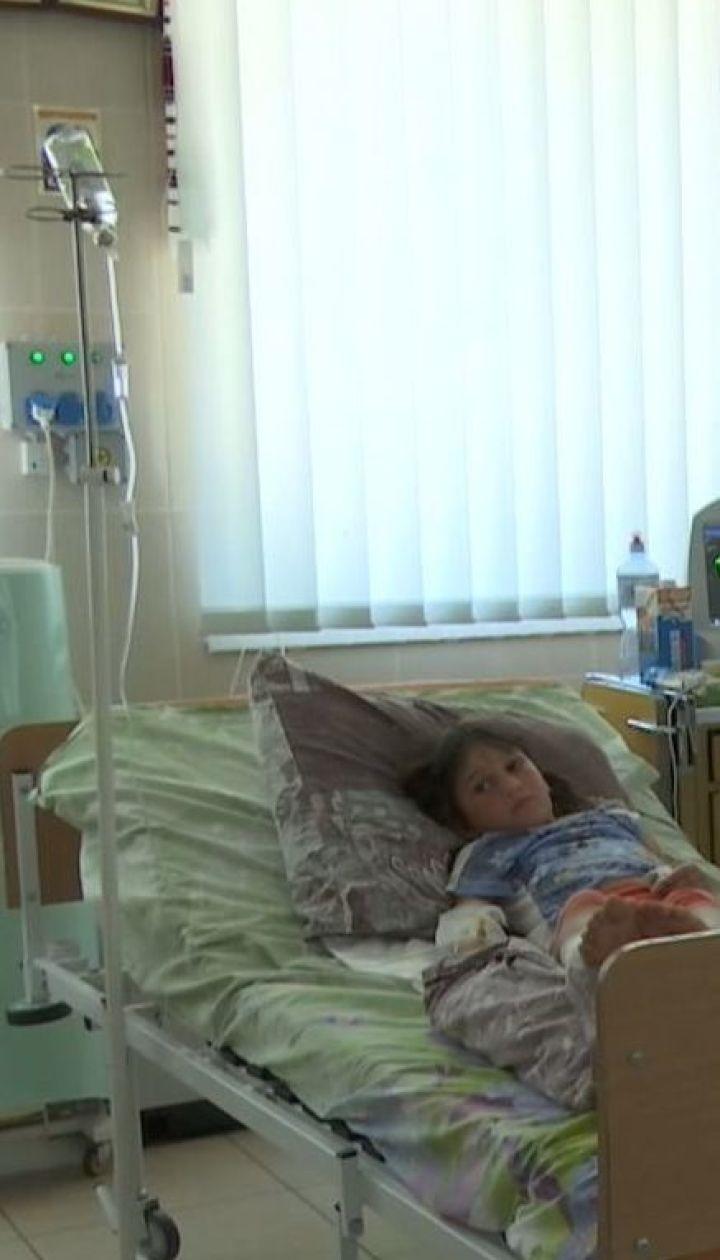 В реанимацию срочно доставили 7-летнюю девочку, которую укусила гадюка