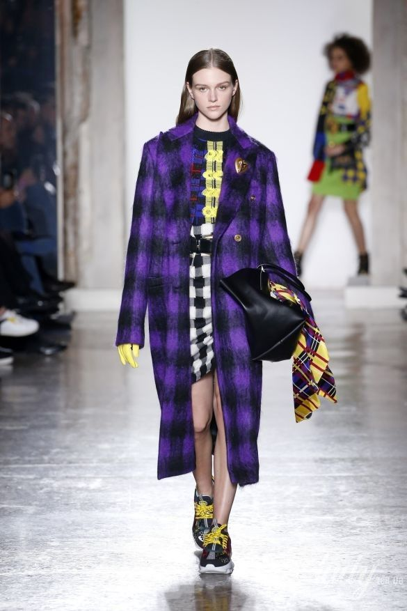 Коллекция Versace прет-а-порте сезона осень-зима 2018-2019_24