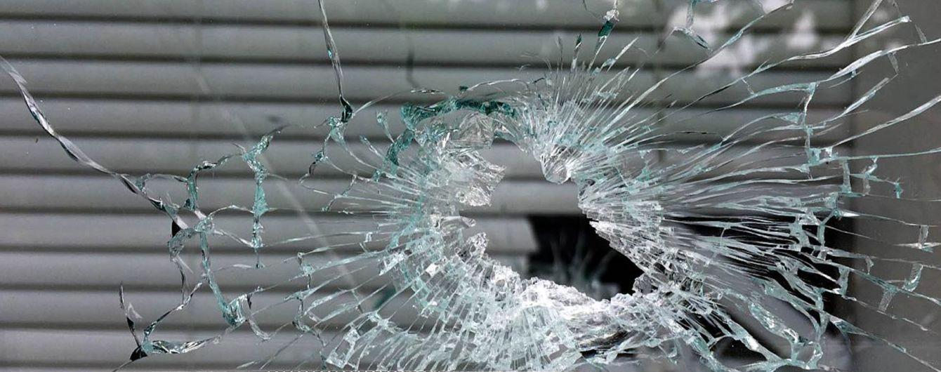 Бойовики більше двох десятків разів відкривали вогонь, поранили українського бійця