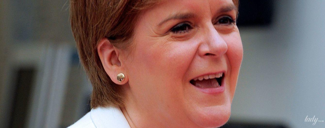 Повторила образ: первый министр Шотландии Никола Стерджен снова надела платье в горох