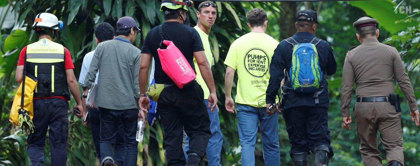 У Таїланді розпочалась остання фаза операції із звільнення застряглих у печері дітей