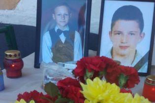 В Нежине назвали имена погибших вследствие падения плиты перекрытия мальчиков