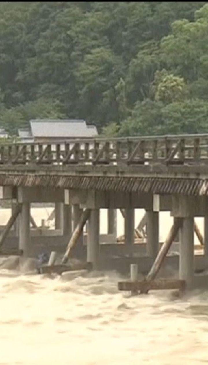 В Японии из-за сильных ливней погибли не менее 38 человек