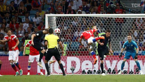Домагой Віда забиває переможний гол