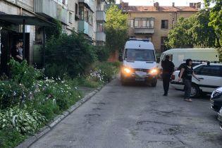 У Львові стався вибух у п'ятиповерхівці. Є загиблий