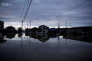 От наводнения в Японии погибли уже почти 100 человек