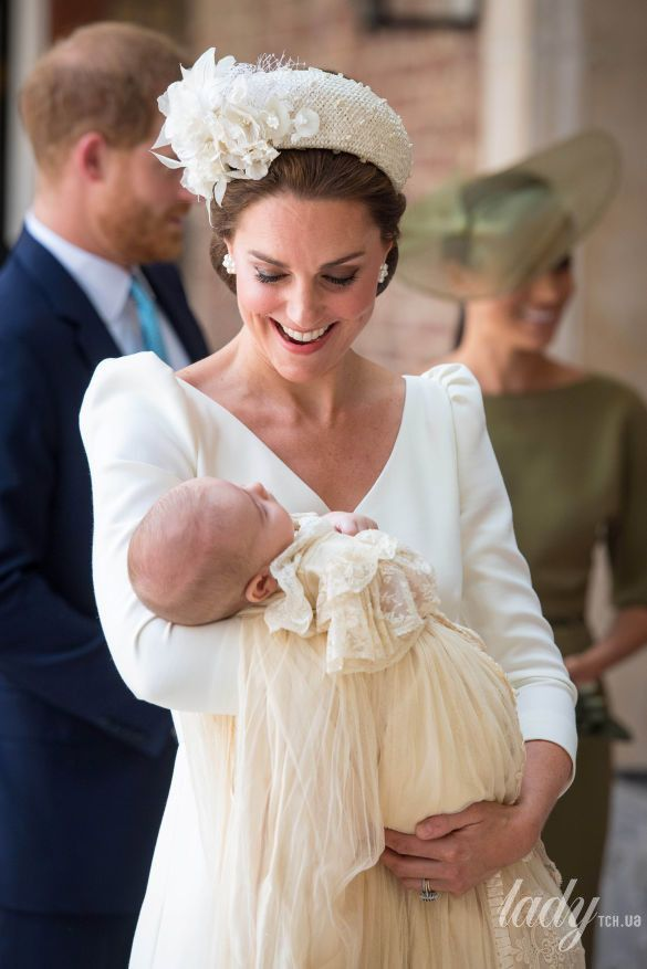 Герцогиня Кембриджская с принцем Луи_1