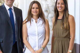 У діловому образі: шведська принцеса Софія на прийомі в палаці