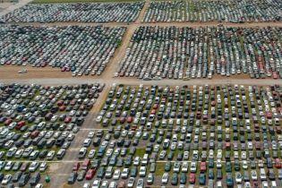 """Опасайся """"утопленника"""". В США распродают машины, пострадавшие в наводнении"""