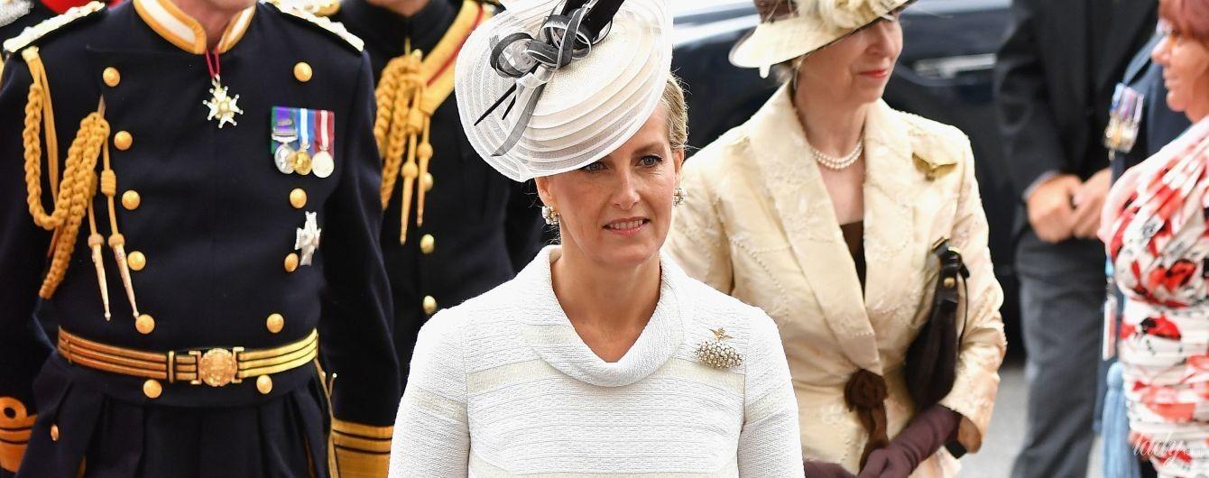 Выглядит блестяще: графиня Уэссекская Софи посетила праздничную службу