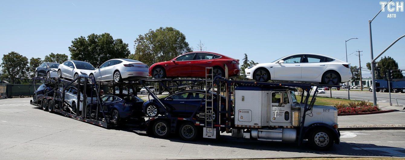 Электрокары Tesla подорожают в Китае из-за экономических войн США