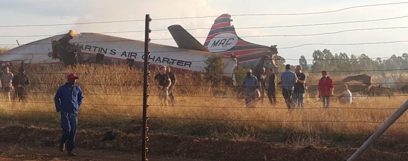В Южной Африке разбился пассажирский самолет
