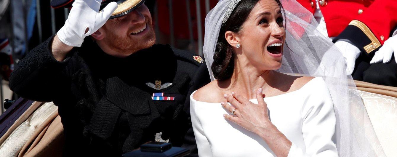 """Любит вырез """"лодочка"""": четыре женственных образа герцогини Сассекской Меган"""
