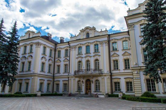Призначення скандального племінника Ківалова до Верховного суду тимчасово призупинили
