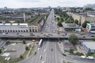 В Киеве продлят работу транспорта, но закроют центральные станции метро на День Независимости