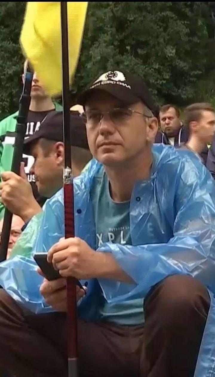 """Митинг в Киеве: водители """"евроблях"""" ждут реакции депутатов"""