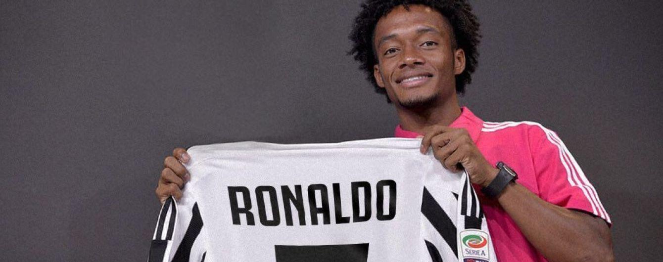 """Футболист """"Ювентуса"""" отдал свой номер Роналду после его перехода"""