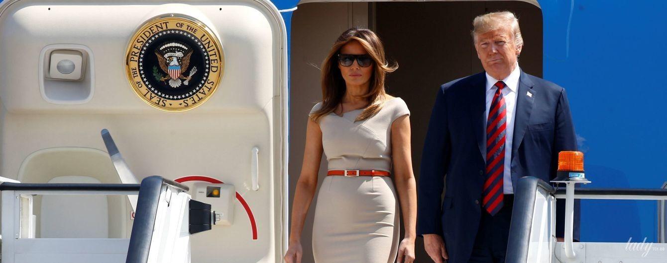 Эффектный выход: Мелания Трамп прилетела в Великобританию