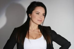 39-летняя Лилия Подкопаева в бикини продемонстрировала идеальный пресс