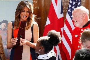 Злилася з усіма прапорами: модний конфуз Меланії Трамп