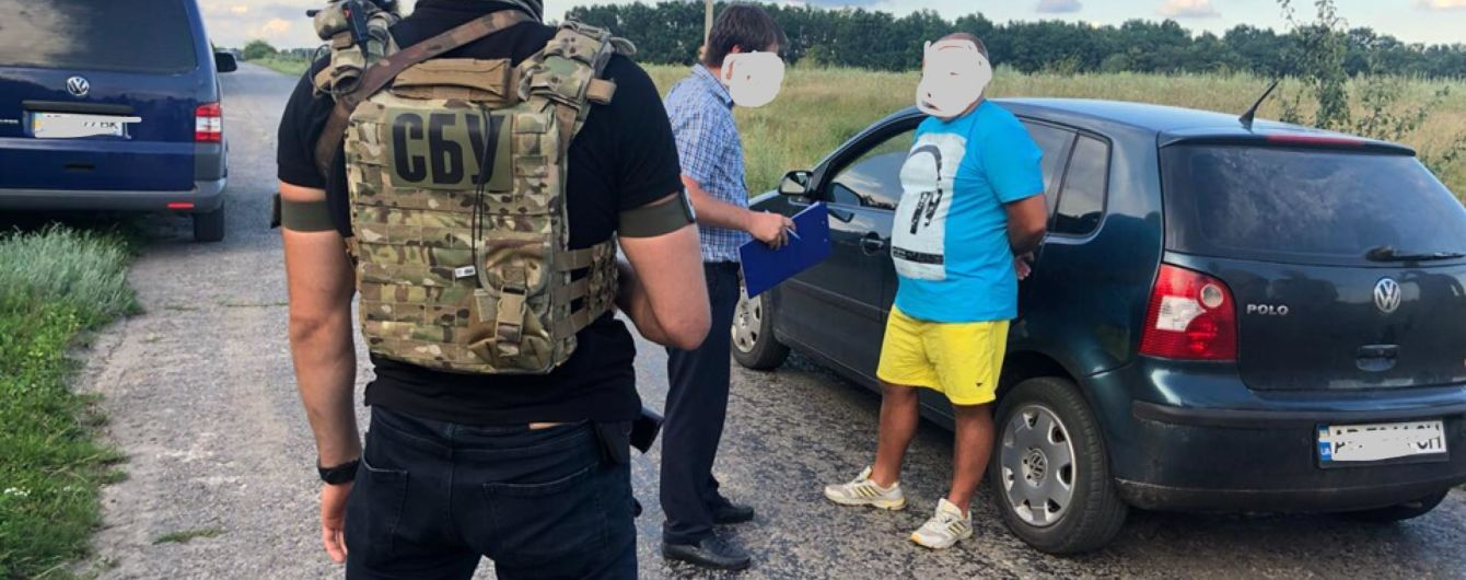 На Вінниччині на хабарі спіймали керівника підрозділу ДФС