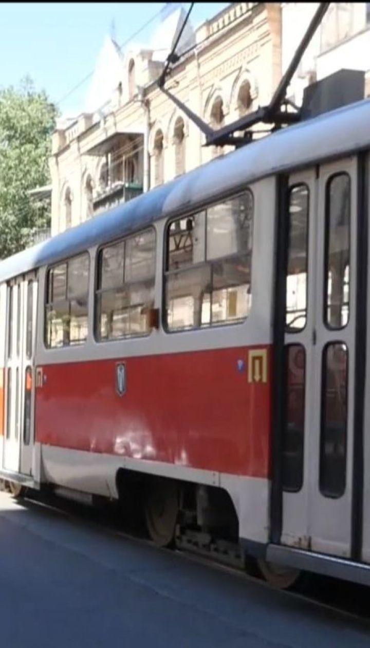 В связи с повышением цен на проезд киевляне массово пополняют свои бесконтактные карточки