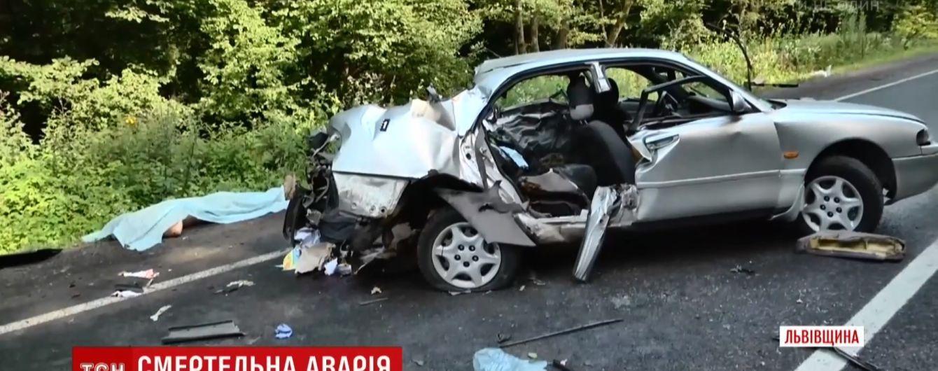 Біля Львова в ДТП загинули двоє військових