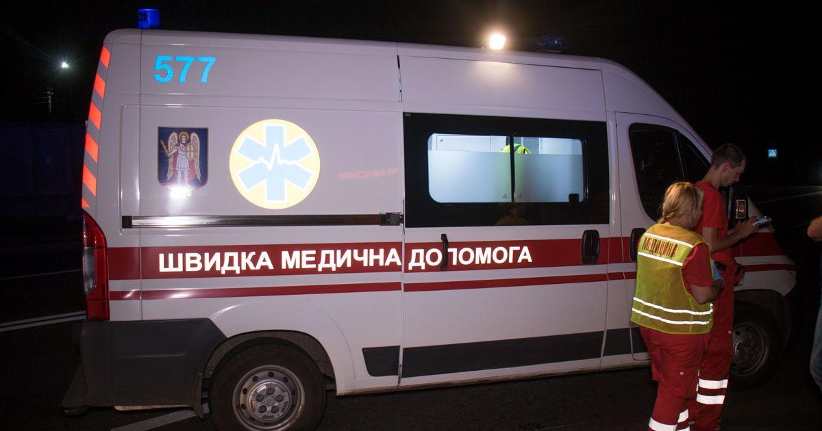 На Прикарпатті автомобіль збив відразу двох пішоходів, серед яких і трирічна дитина