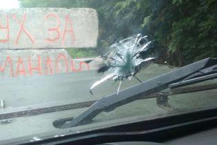 Бойовики обстріляли автомобіль прикордонників на блокпості на передовій