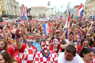Как героев. Тысячи фанатов сборной Хорватии встретили команду в Загребе