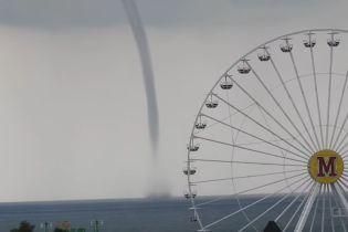 На морі у Бердянську пронісся гігантський смерч