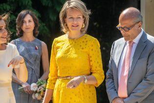 Популярный цвет этого лета: как звезды, королевские особы и первые леди носят желтые наряды
