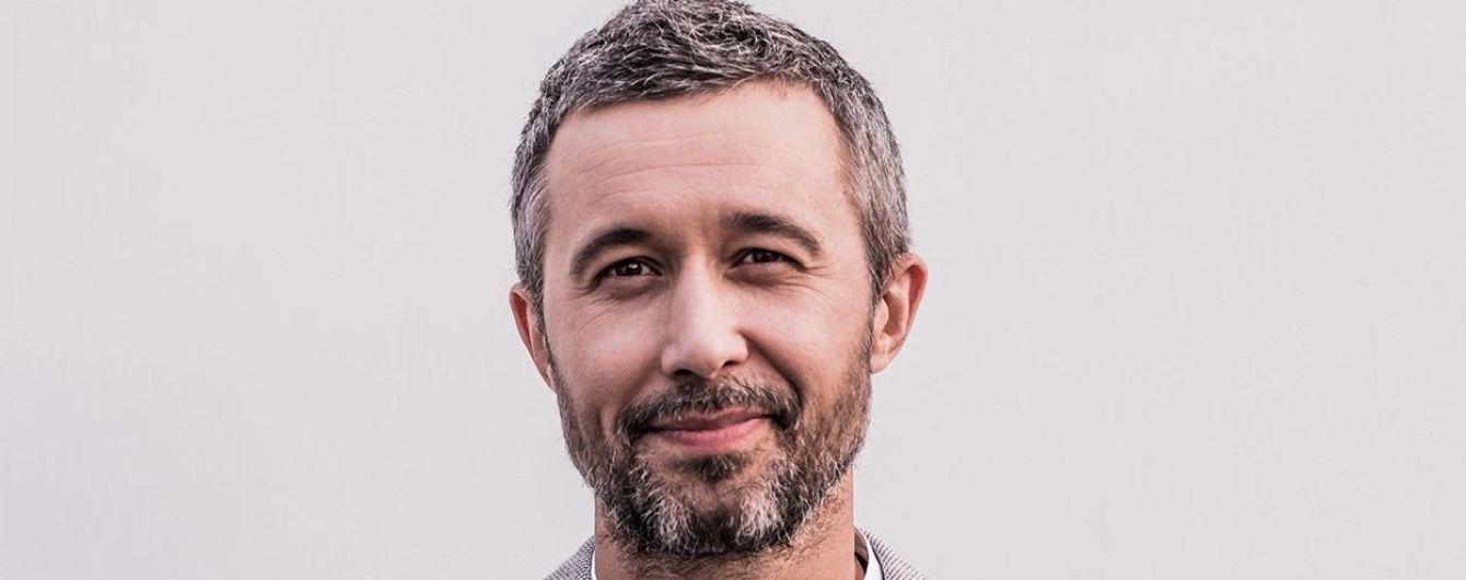 Водное поло, полет на парашюте и купание в бассейне: Сергей Бабкин рассказал, как проходит его отдых с семьей