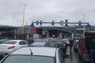 Границы Украини остановились в пробках