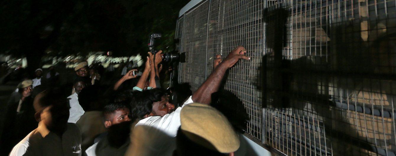 Зверское преступление потрясло Индию: 17 мужчин в течение полугода насиловали девочку с инвалидностью
