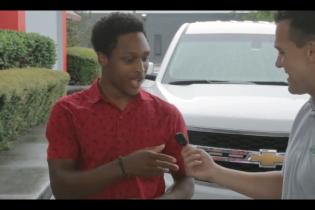 В Алабамі чоловік ішов цілу ніч на роботу та отримав авто від боса