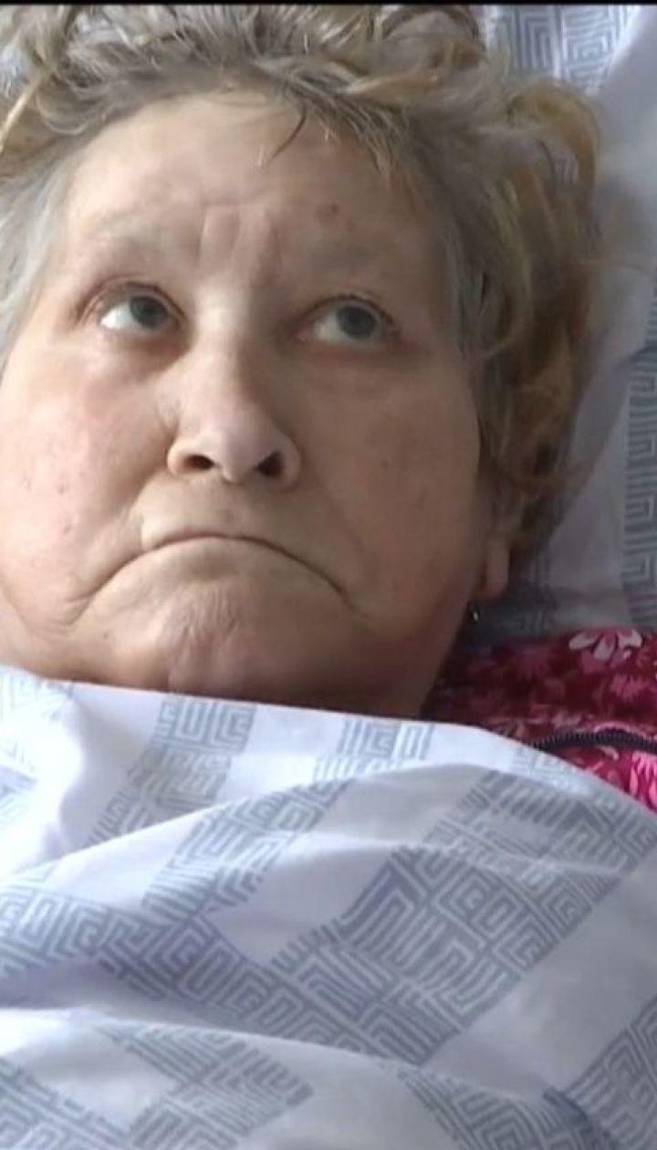Соцработница морила голодом пенсионерку ради дома и трех паев
