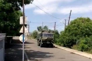 В Армении местные жители остановили колонну российских военных, которые внезапно начали учения