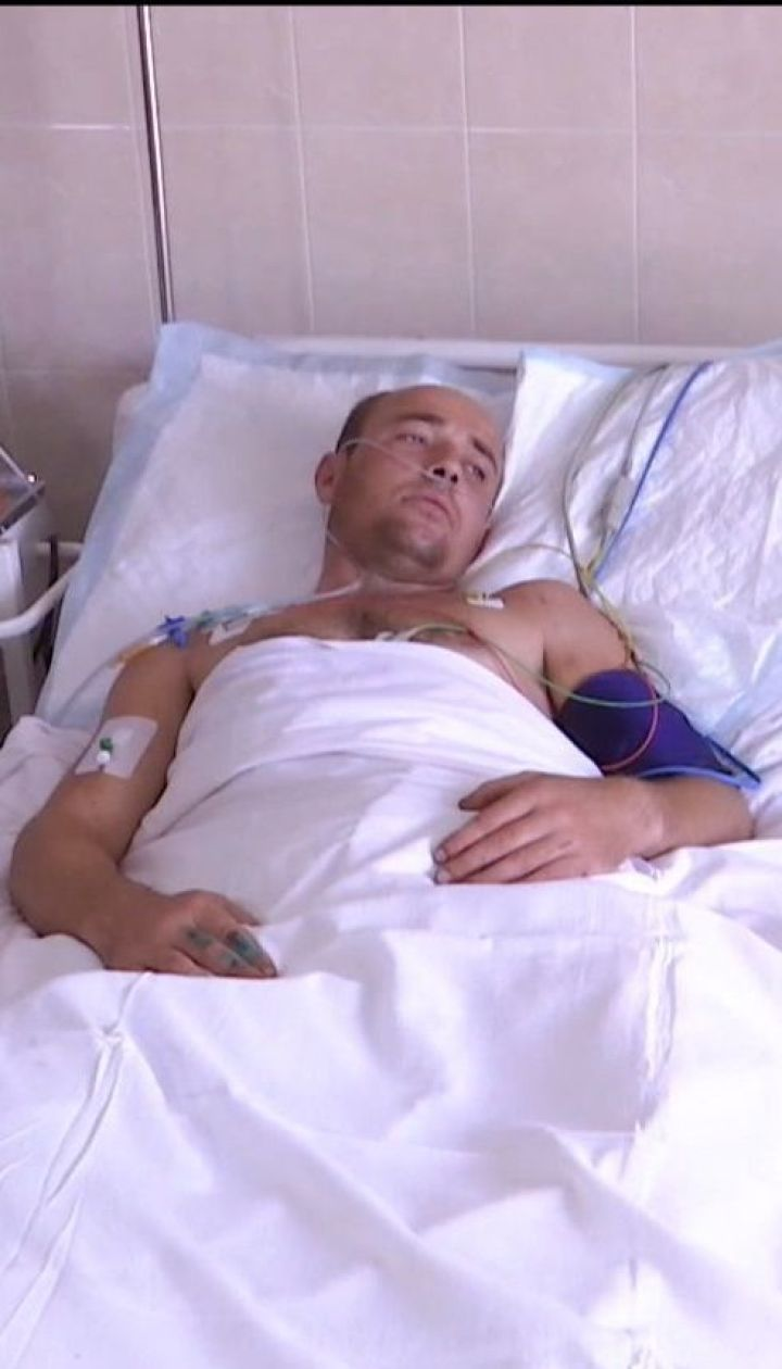 Без ноги и с разбитыми костями: в Днепре спасают раненого 31-летнего морпеха