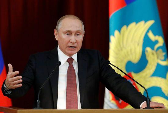 """""""Не залишиться без відповіді"""". Путін погрожує США заходами через вихід з """"ракетного"""" договору"""