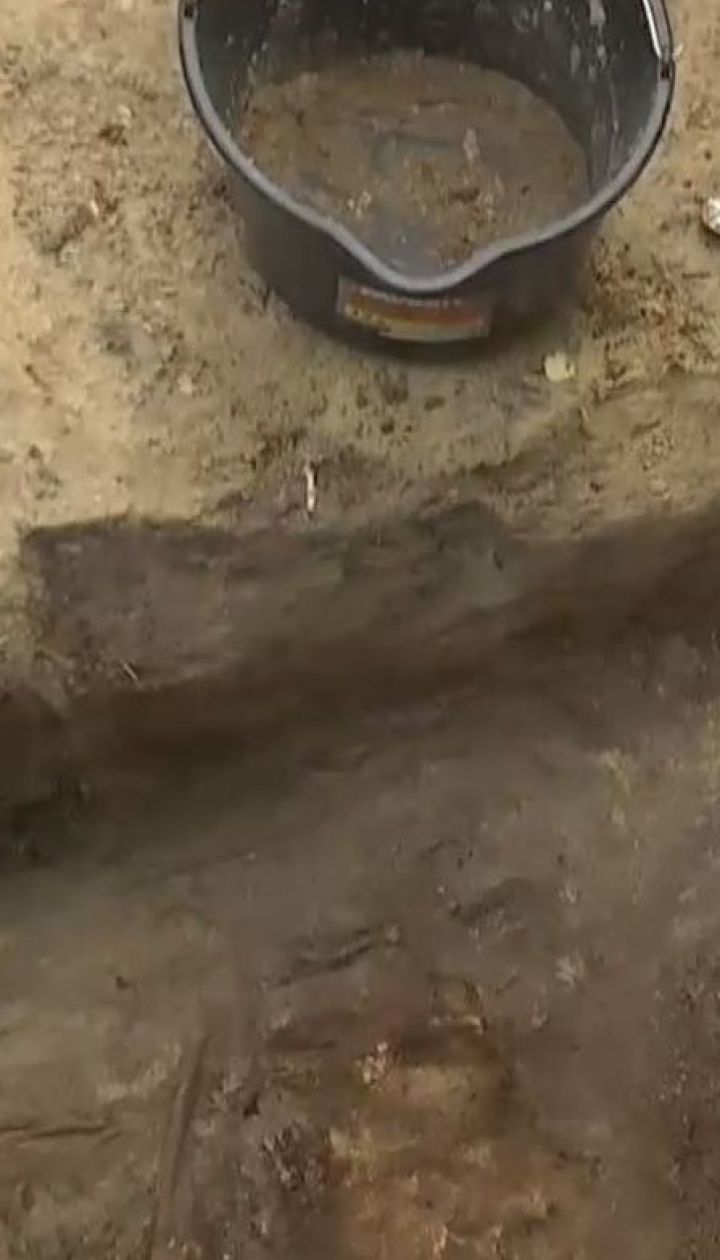 Древній семиярусний цвинтар знайшли у Чернігові