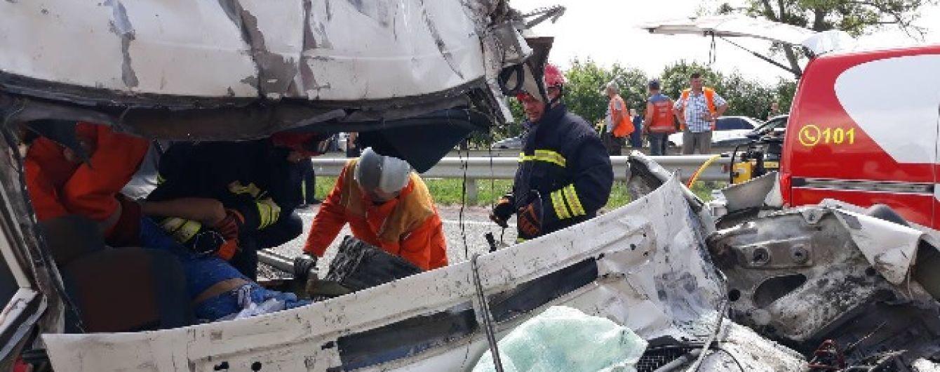 По слідах трагічних ДТП п'ятниці: ТСН з'ясувала дві головні причини високої смертності при аваріях маршруток