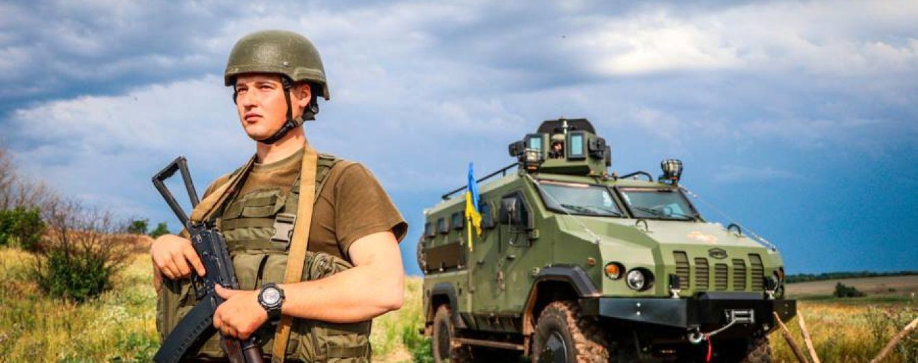 Ситуация на Донбассе: 30 обстрелов, одного украинского военного ранено