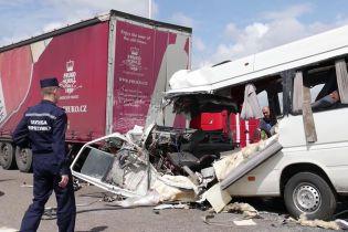 Водитель микроавтобуса, в котором погибли 10 человек в ДТП на Житомирщине, уснул за рулем