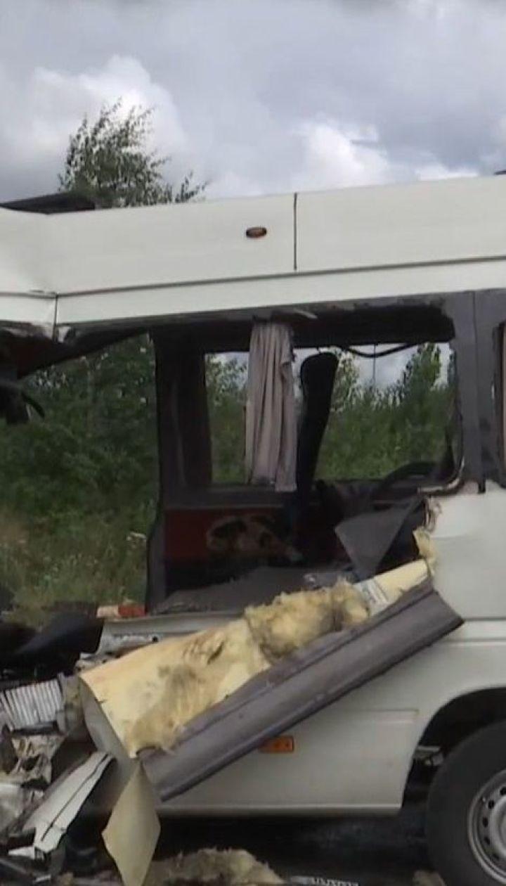 Полиция задержала владельца буса, который попал в смертельную аварию на трассе Киев-Чоп