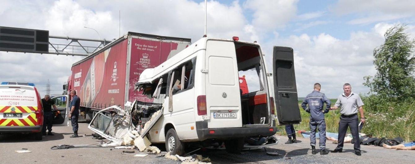 Моторошна ДТП на Житомирщині: затриманому власнику маршрутки повідомили про підозру