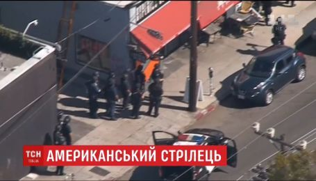 В Лос-Анджелесе мужчина в течение трех часов держал заложников в супермаркете