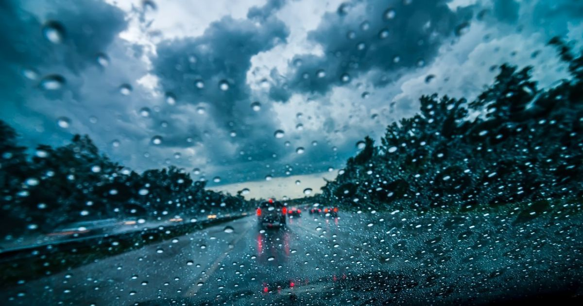 Україну починають затягувати дощі. Прогноз погоди на 5 вересня