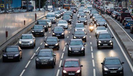 В России водителей штрафуют за езду быстрее максимальной скорости их машин